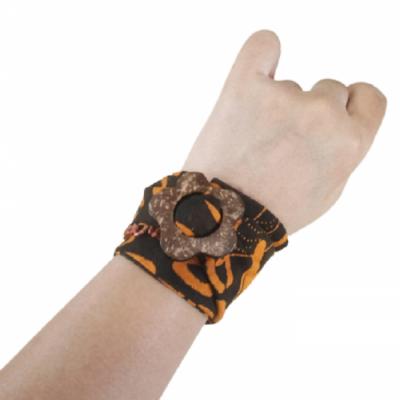 gelang-etnik-aksesoris-gelang-wanita-g12-gesyal-batik-hitam-gelang-tangan-lilit