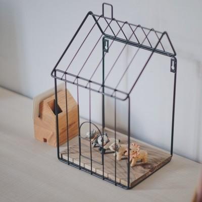 iron-house-shaped-shelf
