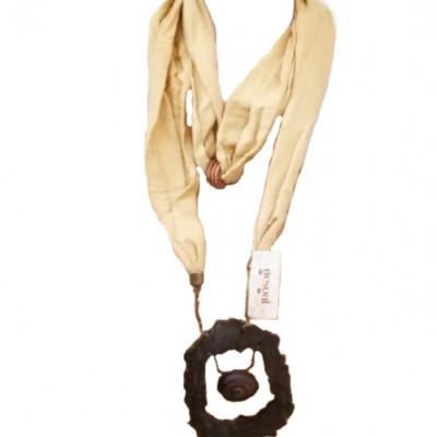 kalung-hijab-etnik-kalung-tali-gamelan-gong-kayu-kalung-syal-rayon-gading-krem-204-gesyal