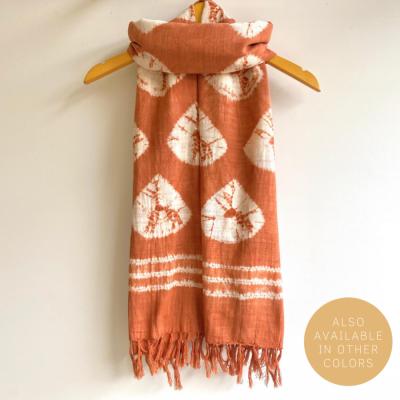 natural-dye-handwoven-scarf-sisik