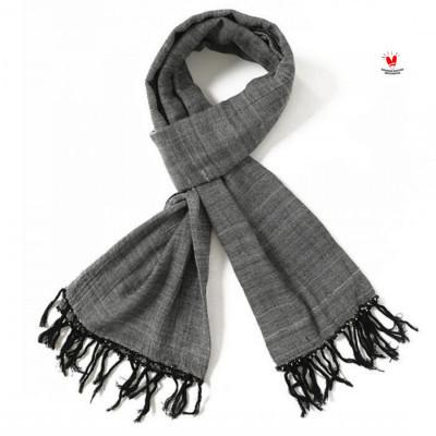 gesyal-syal-scarf-tenun-tangan-polos-abu-bahan-minim-setrika-tidak-mudah-kusut