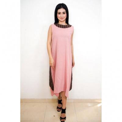 gesyal-asimetris-lurik-linen-kelereng-midi-dress-wanita-pink