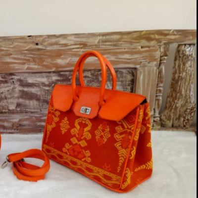 pi-18161-orange
