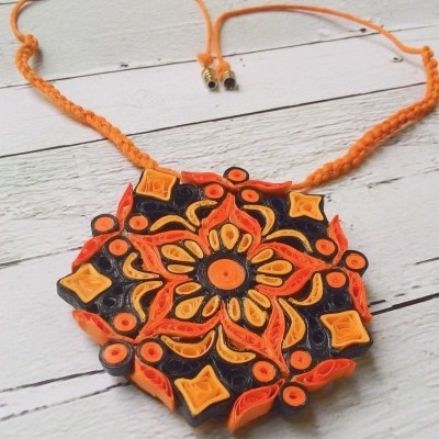 paper-quilling-necklace-ethnical-blackon