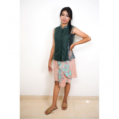 gesyal-motif-batik-brokat-setelan-wanita-hijau-peach
