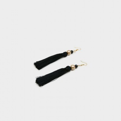 anting-handmade-tassel-ivana-black
