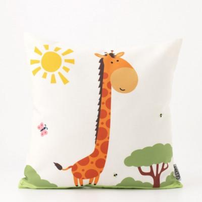 giraffe-in-africa-cushion-40-x-40