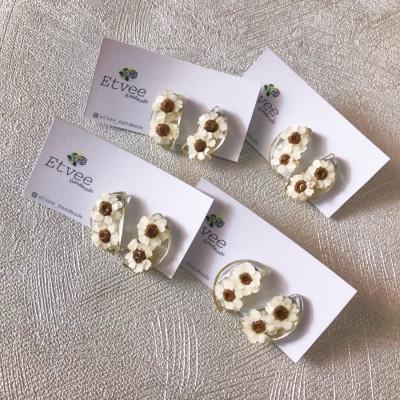 ixodia-halfmoon-earring