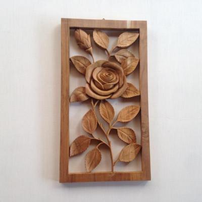 hiasan-dinding-ukir-model-bunga-mawar