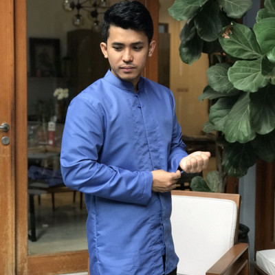 laaki-baju-koko-biru
