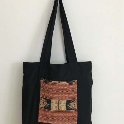 foldable-bag-with-front-pocket-in-tenun-fabric