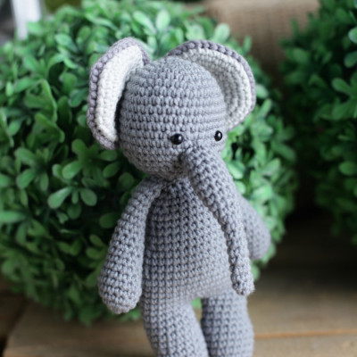 boneka-rajut-gajah-amigurumi