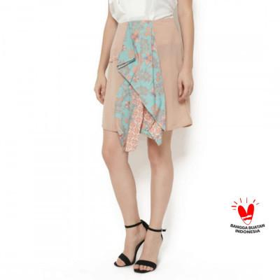 gesyal-rok-midi-batik-asimetris-depan-wolfis-hijau-peach.langsing.sexy-membalut-tubuh
