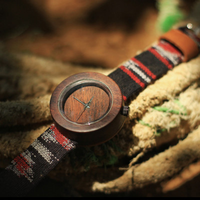 jam-tangan-kayu-strap-tenun