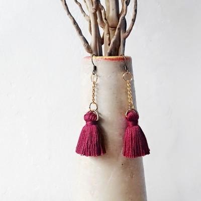 uri-earring-tassel-tie-maroon