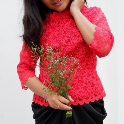simple-lace-red