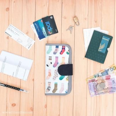 dompet-paspor-handmade-motif-kaos-kaki