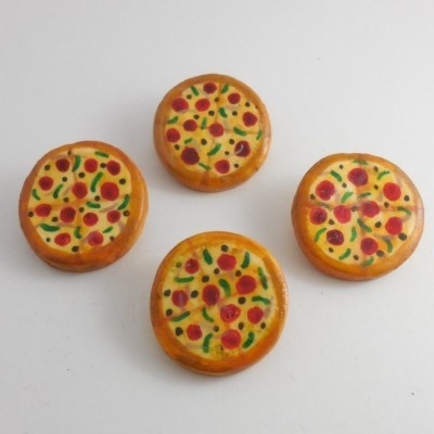 pizza-brooch