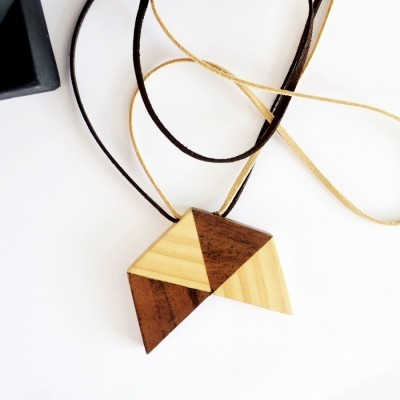 triangles-wooden-necklace-i