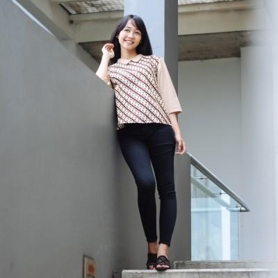 candra-top-by-batik-gwens