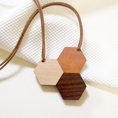 hexagon-wooden-necklace-i