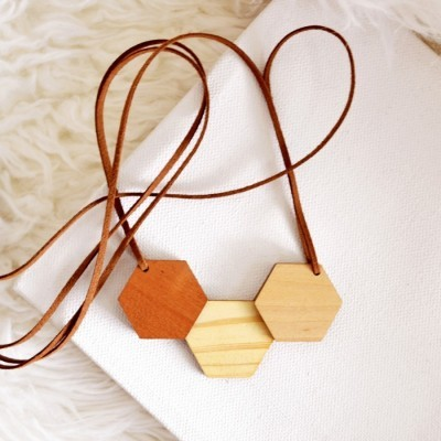 hexagon-wooden-necklace-iii