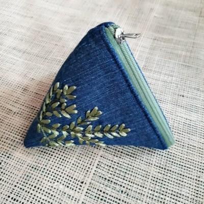 dompet-koin-daun-hijau