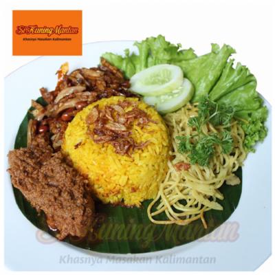 nasi-kuning-kalimantan-khas-masak-habang-lauk-daging-5-porsi-