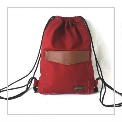 walker-drawnstring-bag-maroon