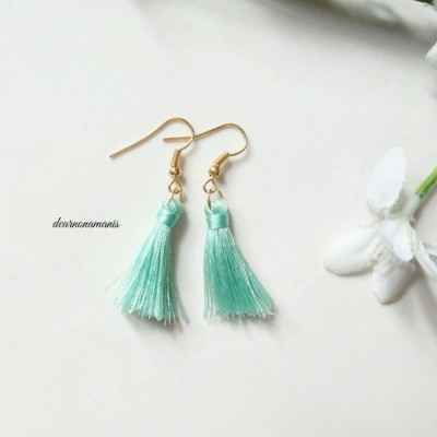 anting-tassel-mini-hijau-pastel