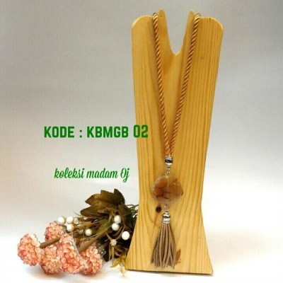 kalung-batu-medali-gold-brown-02-kode-kbmgb-02-