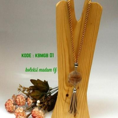 kalung-batu-medali-gold-brown-01-kode-kbmgb-01
