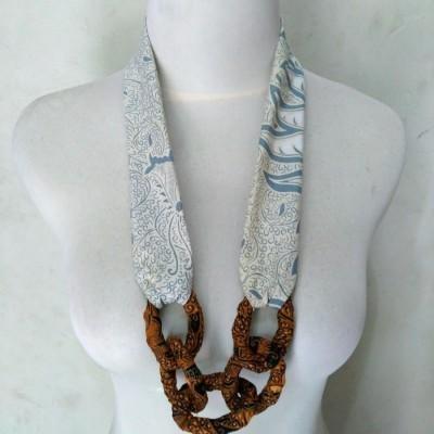 kalung-batik-ana