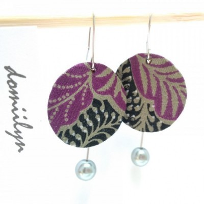 one-of-a-kind-anting-batik-ungu-hitam