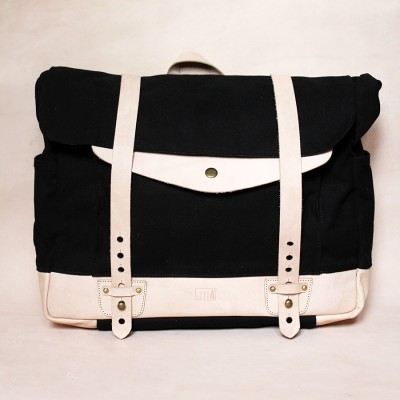 holarocka-apollo-02-vegtan-leather-x-canvas-messenger-bag
