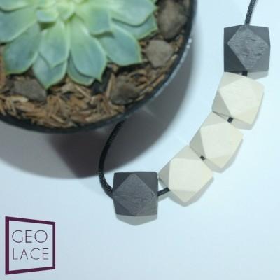kalung-kayu-geometri-handmade-cream-cokelat
