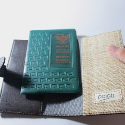 passport-holder-kulit-dan-tenun-doyo