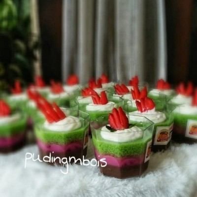 puding-cup-dg-topping-cream-strawberry