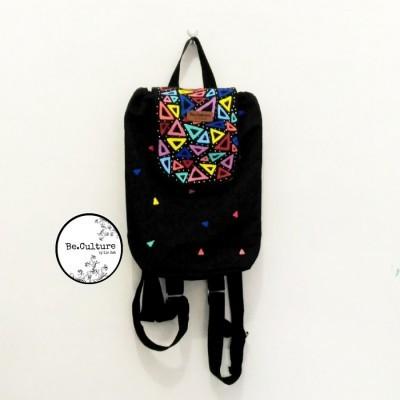 mini-backpack-triangles