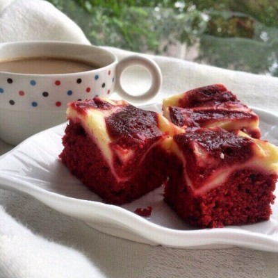 red-velvet-cheese-cake-brownie
