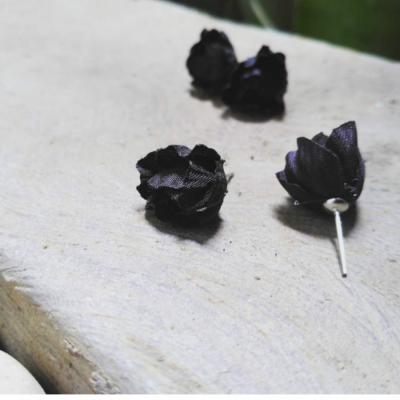 giwang-mawar-hitam