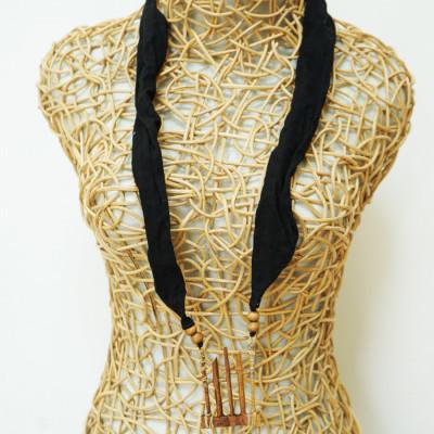 kalung-kayu-kalung-syal-hitam-gamelan-angklung-174-gesyal-serut-bisa-diatur