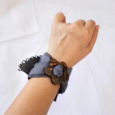 gelang-tangan-batik-wanita-etnik-gesyal-batok-abu
