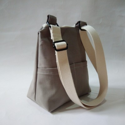 daniela-sling-bag