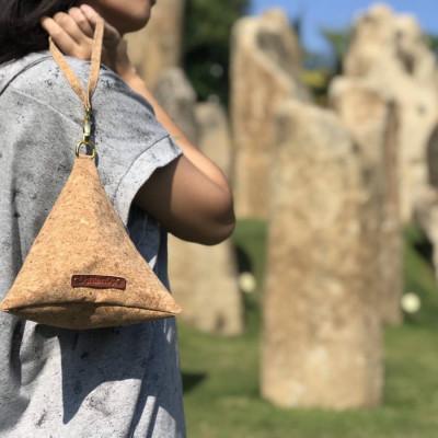 big-triangle-cork-pouch-handbag