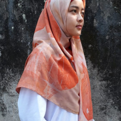 square-hijab-caesalpinia-series