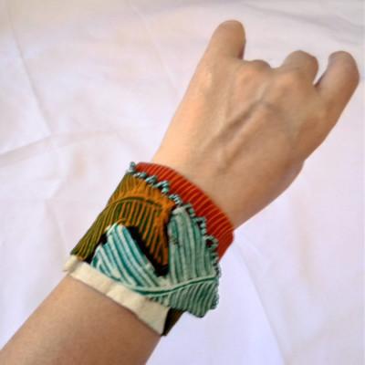 gelang-tangan-batik-wanita-etnik-gesyal-tosca