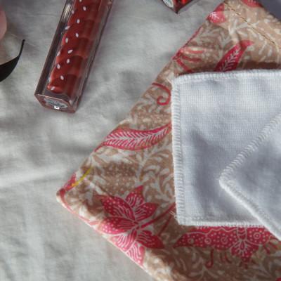 reusable-cotton-pad-kapas-kain-free-pouch-batik