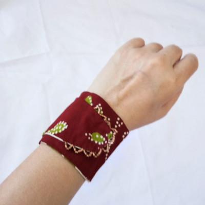 gelang-batik-wanita-gelang-handmade-etnik-gesyal-maron