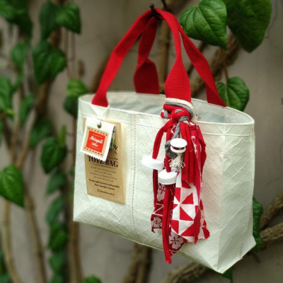 milk-carton-tote-bag-small-with-drawstring-red